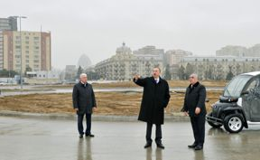 Prezident İlham Əliyev Bakı Ağ Şəhər bulvarında həyata keçirilən inşaat işlərinin gedişi ilə tanış olub